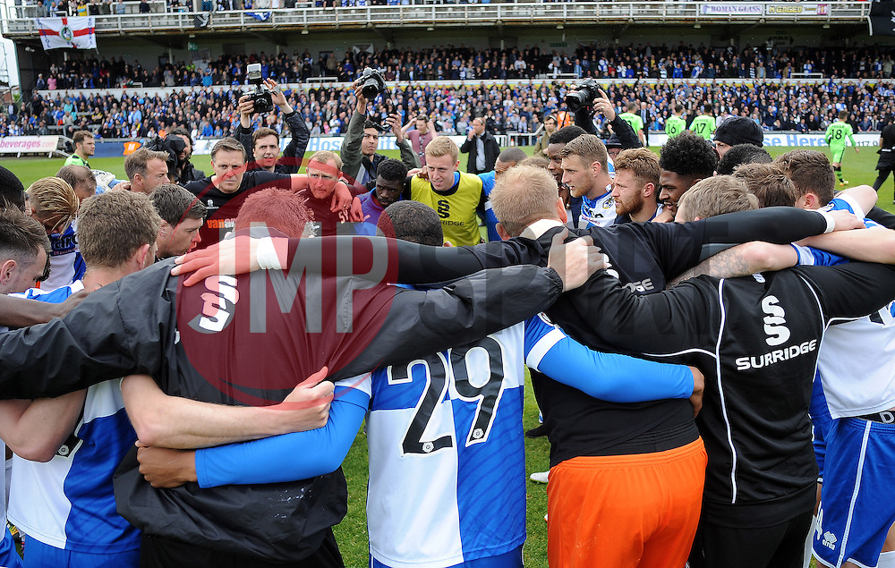 Bristol Rovers celebrate the win over Forest Green Rovers - Photo mandatory by-line: Neil Brookman/JMP - Mobile: 07966 386802 - 03/05/2015 - SPORT - Football - Bristol - Memorial Stadium - Bristol Rovers v Forest Green Rovers - Vanarama Football Conference