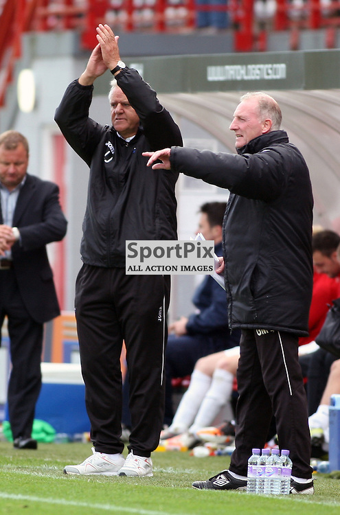 Hamilton Academical v Dunfermline Athletic Irn Bru First Division New Douglas Park 29 September 2012.Jim Jefferies  applauds the team..(c) Craig Brown | StockPix.eu