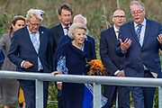Prinses Beatrix opent het nieuwe bezoekerscentrum van UNESCO Werelderfgoed Kinderdijk.<br /> <br /> Princess Beatrix opens the new UNESCO World Heritage site Kinderdijk.