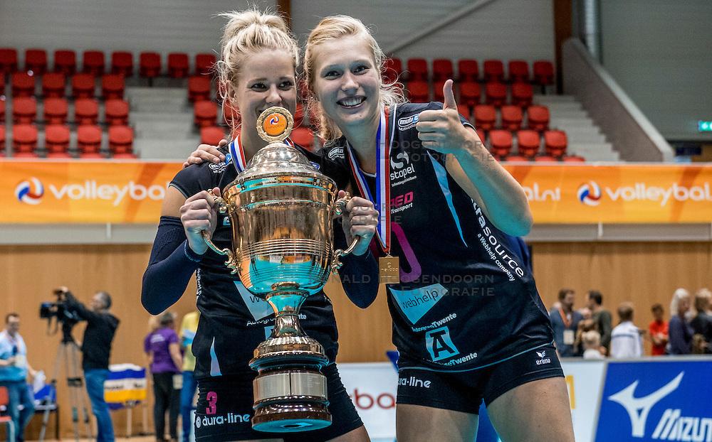 02-10-2016 NED: Supercup VC Sneek - Eurosped, Doetinchem<br /> Eurosped wint de Supercup door Sneek met 3-0 te verslaan / Judith Kamphuis #3 of Eurosped, Colina Makken #10 of Eurosped