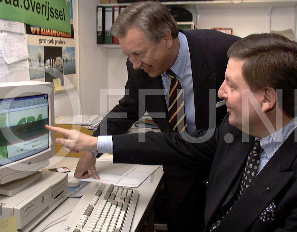 Fotografie Uijlenbroek©1999/olga van kampen.990114 heino.ingebruikname cda internet pagina overijssel.sa2-sta