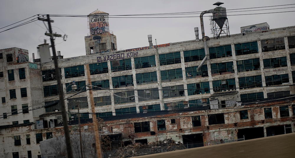 Street scene in Detroit - abandoned factory..Photographer: Chris Maluszynski /MOMENT