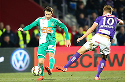 08.03.2015, Generali Arena, Wien, AUT, 1. FBL, FK Austria Wien vs SK Rapid Wien, 24. Runde, im Bild Stefan Schwab (SK Rapid Wien) und Alexander Gruenwald (FK Austria Wien) // during Austrian Football Bundesliga Match, 24th Round, between FK Austria Vienna and SK Rapid Wien at the Generali Arena, Vienna, Austria on 2015/03/08. EXPA Pictures © 2015, PhotoCredit: EXPA/ Thomas Haumer