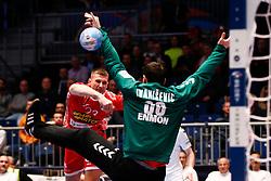 09.01.2020, Stadthalle, Graz, AUT, EHF Euro 2020, Weißrussland vs Serbien, Gruppe A, im Bild Andrei Yurynok (BLR /l) und Tibor Ivanisevic (SRB) // Andrei Yurynok (BLR /l) and Tibor Ivanisevic (SRB) during the EHF 2020 European Handball Championship, group A match between Belarus and Serbia at the Stadthalle in Graz, Austria on 2020/01/09. EXPA Pictures © 2020, PhotoCredit: EXPA/ Erwin Scheriau