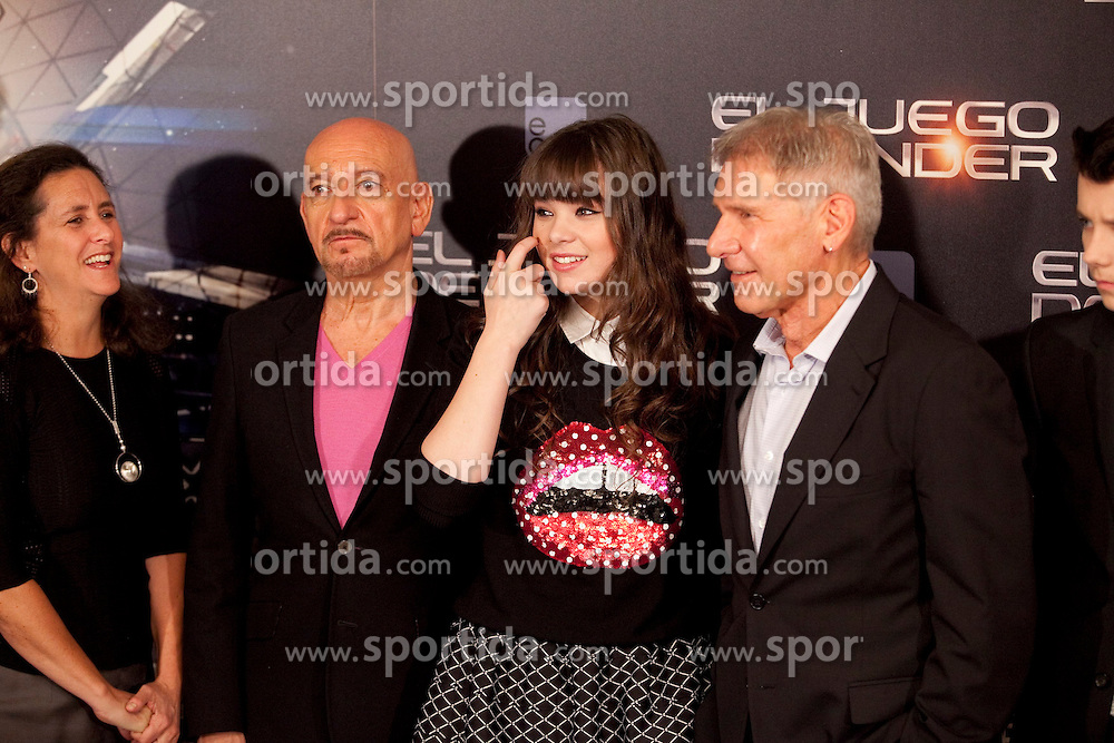 03.10.2013, Villa Magna Hotel, Madrid, ESP, Enders Game Photocall, im Bild US actor Ben Kingsley (L), actress Hailee Steinfeld, Harrison Ford and Asa Butterfield (R) pose // during a photocall for the film Ender's Game, Villa Magna Hotel, Madrid, Spain on 2013/10/03. EXPA Pictures © 2013, PhotoCredit: EXPA/ Alterphotos/ Ricky Blanco<br /> <br /> ***** ATTENTION - OUT OF ESP and SUI *****