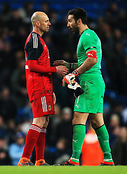 Willy Caballero of Argentina shakes hands with Gianluigi Buffon of Italy at full time - Mandatory by-line: Matt McNulty/JMP - 23/03/2018 - FOOTBALL - Etihad Stadium - Manchester, England - Argentina v Italy - International Friendly