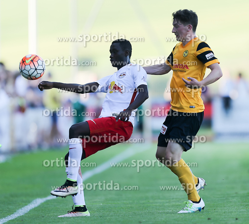 01.07.2016, Sportarena, Strasswalchen, AUT, Testspiel, FC Red Bull Salzburg vs BSC Young Boys, im Bild v.l. Diadie Samassekou (FC Red Bull Salzburg), Linus Obexer (BSC Young Boys Bern) // during a friendly football match between FC Red Bull Salzburg and BSC Young Boys at the Sportarena in Strasswalchen, Austria on 2016/07/01. EXPA Pictures © 2016, PhotoCredit: EXPA/ Roland Hackl