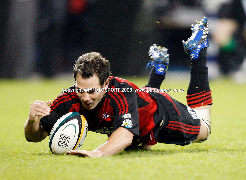 Leon McDonald scores his try. Crusaders v Hurricanes. Super 14 Semi-Final rugby. AMI Stadium, Christchurch, New Zealand. Saturday 24 May 2008. Photo: Martin Hunter/PHOTOSPORT