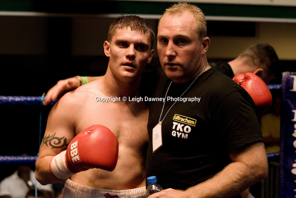 Daryl Setterfield and Derek Grainger at the Daryl Setterfield v Kevin Lilley fight at York Hall 4th October 2009. Promoted by David Coldwell,Hayemaker Promotions Credit: ©Leigh Dawney Photography