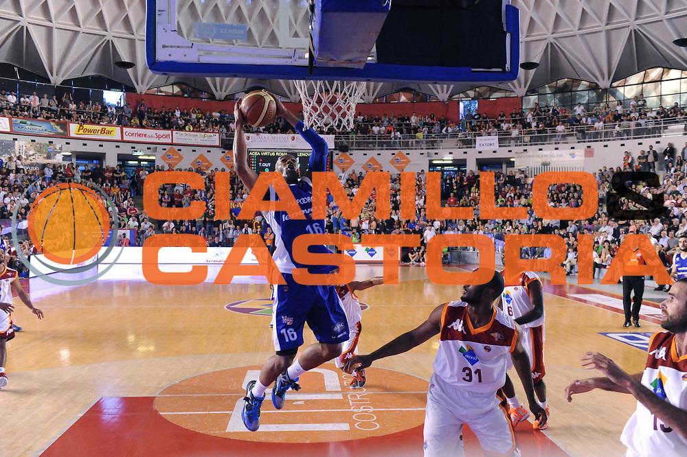 DESCRIZIONE : Roma Lega A 2012-2013 Acea Roma Lenovo Cantu playoff semifinale gara 5<br /> GIOCATORE : Alex Tyus<br /> CATEGORIA : Schiacciata Sequenza<br /> SQUADRA : Lenovo Cantu <br /> EVENTO : Campionato Lega A 2012-2013 playoff semifinale gara 5<br /> GARA : Acea Roma Lenovo Cantu<br /> DATA : 02/06/2013<br /> SPORT : Pallacanestro <br /> AUTORE : Agenzia Ciamillo-Castoria/GiulioCiamillo<br /> Galleria : Lega Basket A 2012-2013  <br /> Fotonotizia : Roma Lega A 2012-2013 Acea Roma Lenovo Cantu playoff semifinale gara 5<br /> Predefinita :
