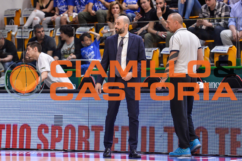 Maurizio Buscaglia<br /> Banco di Sardegna Dinamo Sassari - Dolomiti Energia Aquila Basket Trento<br /> Legabasket Serie A LBA Poste Mobile 2016/2017<br /> Playoff Quarti Gara3<br /> Sassari 16/05/2017<br /> Foto Ciamillo-Castoria