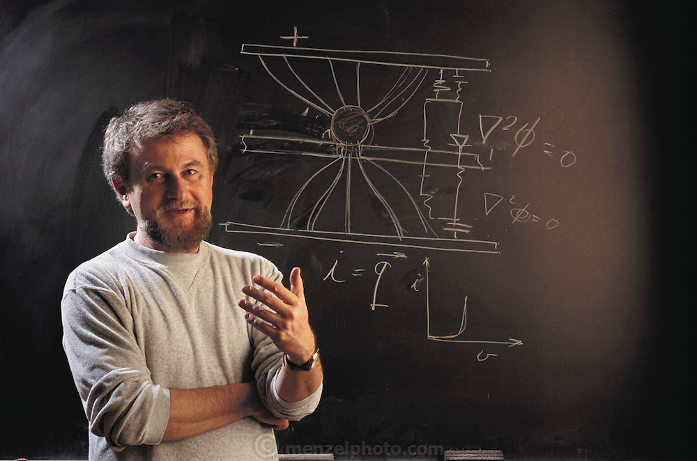 "Professor Boris Rubinsky at University of California Berkeley, Department of Bioengineering and Mechanical Engineering. He developed the first ""bionic chip"", in which a biological cell is part of the actual electronic circuitry, invented with graduate student Yong Huang. MODEL RELEASED [2001]"