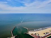 Nederland, Zuid-Holland, Den Haag, 14-09-2019; ingang haven Scheveningen, de buitenhaven met Zuidelijk en Noordelijk havenhoofd.<br /> Scheveningen harbor entrance, the outer harbor with Southern and Northern harbor heads.<br /> <br /> luchtfoto (toeslag op standard tarieven);<br /> aerial photo (additional fee required);<br /> copyright foto/photo Siebe Swart