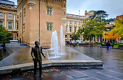 Statue of French singer songwriter Claude Nougaro in the Place Charles de Gaulle, Toulouse, France<br /> <br /> (c) Andrew Wilson | Edinburgh Elite media