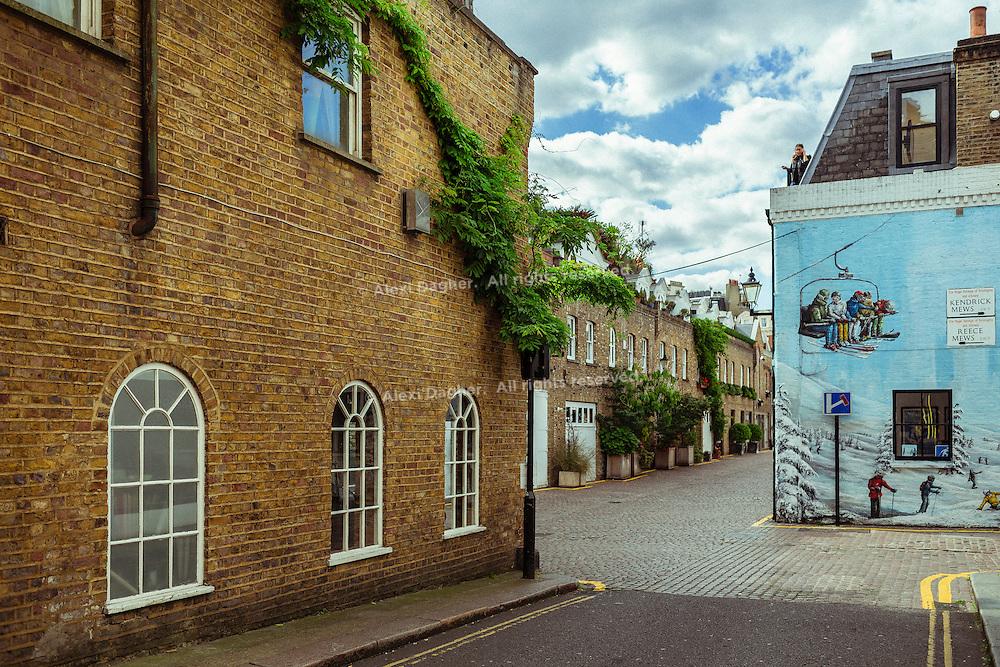 Intersection Of Kendrick Place & Reece Mews - Kensington, London, England, 2016
