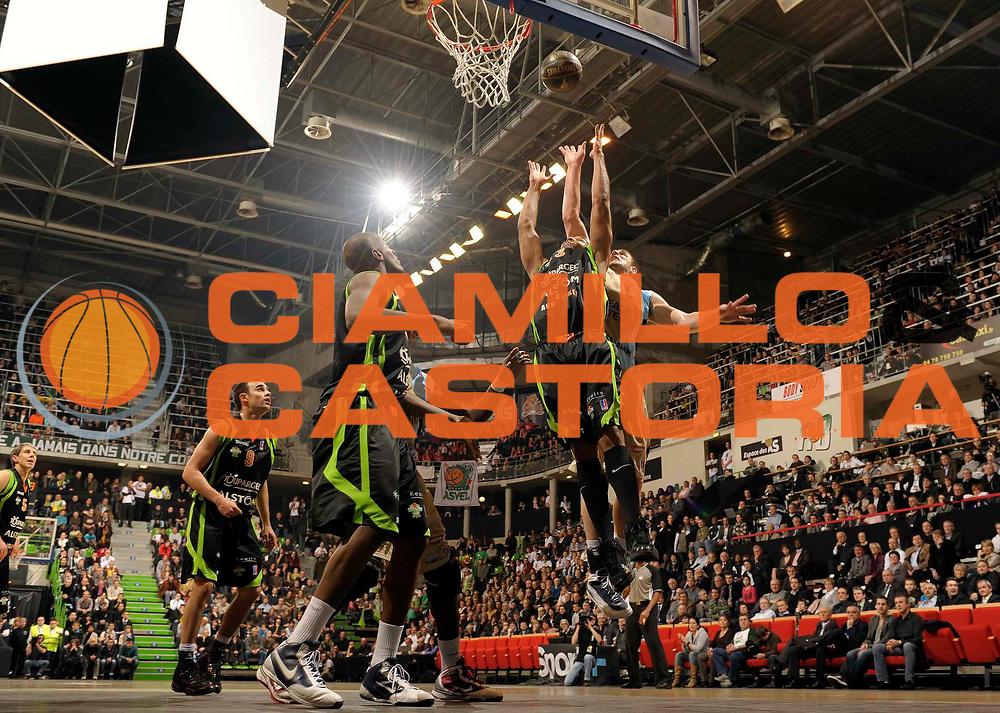DESCRIZIONE : Ligue France Pro A Semaine des As Roanne Villeurbanne Demi Finale<br /> GIOCATORE : Campbell Eric<br /> SQUADRA : Villeurbanne  <br /> EVENTO : France Ligue  Pro A 2009-2010<br /> GARA : Roanne Nancy<br /> DATA : 20/02/2010<br /> CATEGORIA : Basketball Pro A Action<br /> SPORT : Basketball<br /> AUTORE : JF Molliere par Agenzia Ciamillo-Castoria <br /> Galleria : France Ligue Pro A 2009-2010 <br /> Fotonotizia :  Ligue France Pro A 2009-10 Roanne Nancy Semaine des AS Villeurbanne 18/02/2010<br /> Predefinita :