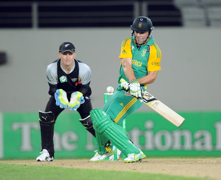 South Africa's AB de Villiers reverse bats in front of the New Zealand keeper Brendon McCullum in the third twenty/20 International Cricket match, Eden Park, Auckland, New Zealand, Wednesday, February 22, 2012. Credit:SNPA / Ross Setford