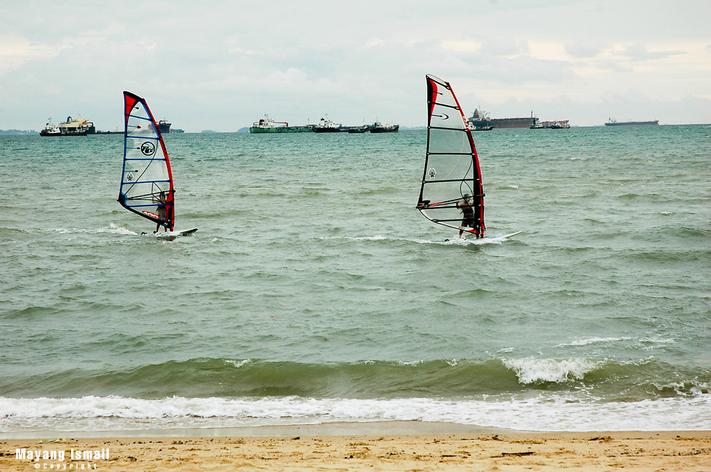 Para-gliding on a windy day at East Coast Park, Singapore