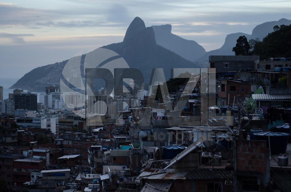 Rio de Janeiro-Rj 30/04/2014-PAVAO PAVAOZINHO -Vista do alto do morro Pavao Pavaozinho nessa tarde de quarta feira  . Foto-Tércio Teixeira /Brazil Photo Press