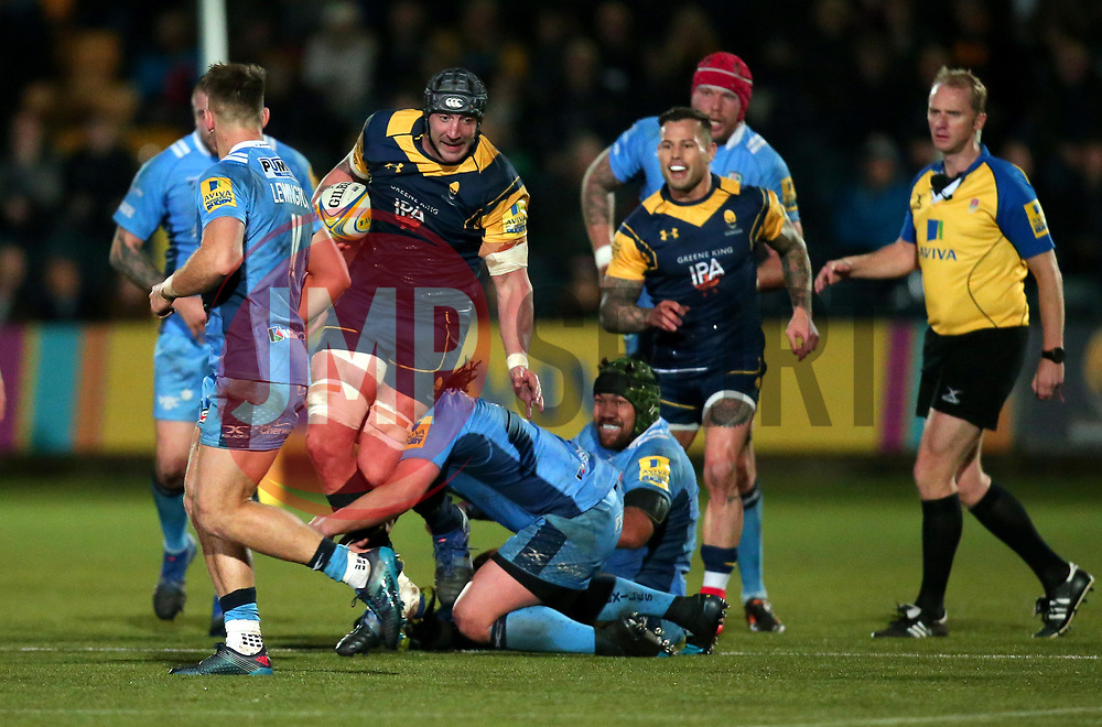 Will Spencer of Worcester Warriors is tackled - Mandatory by-line: Robbie Stephenson/JMP - 22/12/2017 - RUGBY - Sixways Stadium - Worcester, England - Worcester Warriors v London Irish - Aviva Premiership