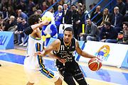 DESCRIZIONE : Cremona Lega A 2015-2016 Vanoli Cremona Obiettivo Lavoro Bologna<br /> GIOCATORE : Pendarvis Williams<br /> SQUADRA : Obiettivo Lavoro Virtus Bologna<br /> EVENTO : Campionato Lega A 2015-2016<br /> GARA : Vanoli Cremona Obiettivo Lavoro Bologna<br /> DATA : 06/12/2015<br /> CATEGORIA : Palleggio Penetrazione<br /> SPORT : Pallacanestro<br /> AUTORE : Agenzia Ciamillo-Castoria/F.Zovadelli<br /> GALLERIA : Lega Basket A 2015-2016<br /> FOTONOTIZIA : Cremona Campionato Italiano Lega A 2015-16  Vanoli Cremona Obiettivo Lavoro Bologna<br /> PREDEFINITA : <br /> F Zovadelli/Ciamillo