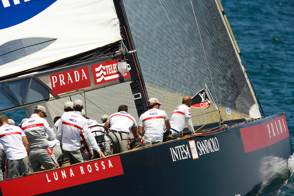 Valencia, SPAIN, LOUIS VUITTON CUP FINAL 2007, Emirates Team New Zealand v Luna Rossa Challenge, Race 3. Luna Rossa Challenge in the dial up before the start. ETNZ took the race to go 3-0 up in the series. The winner of the LV Cup is the first to 5 wins..