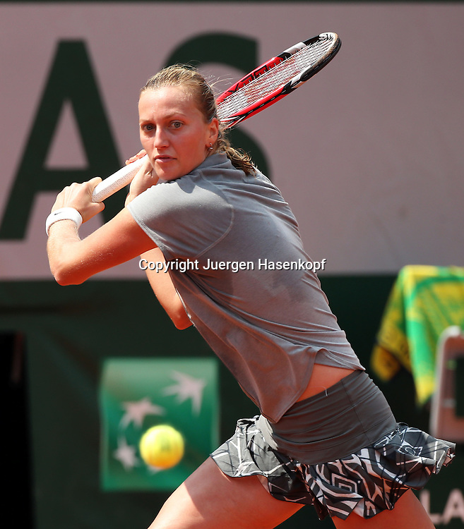 French Open 2014, Roland Garros,Paris,ITF Grand Slam Tennis Tournament,<br /> Petra Kvitova (CZE),Aktion,Einzelbild,<br /> Halbkoerper,Hochformat,