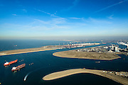 Nederland, Zuid-Holland, Rotterdam, 18-02-2015; Tweede Maasvlakte met de Prinses Alexiahaven (voorgrond), en olietankers voor anker in de Prinses Prinses Arianehaven. Middenplan de eerste Maasvlakte met  centrales van E.ON, links de Yangtzehaven.<br /> Maasvlakte 2 (MV2), extension of the Port of Rotterdam, new harbors and constructing of container terminals.<br /> luchtfoto (toeslag op standard tarieven);<br /> aerial photo (additional fee required);<br /> copyright foto/photo Siebe Swart