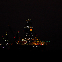 The Transocean Development Driller III and Helix Energy Solutions, Q4000 platform are seen at the BP Plc Macondo well site in the Gulf of Mexico off the coast of Louisiana, U.S., on Friday, July 30, 2010. BP Plc continues to work on a relief well to permanently plug the source of the largest oil spill in U.S. history.  Photographer: Derick E. Hingle/Bloomberg