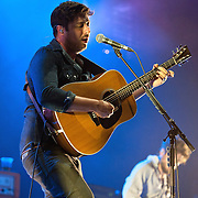 KANSAS CITY, KS - SEPTEMBER 20:  Lead singer Marcus Mumford performing with his band Mumford & Sons at the Cricket Wireless Amphitheater on September 20, 2013 in Kansas City, Kansas.  (Photo by Fernando Leon/Getty Images) *** Local Caption *** Marcus Mumford
