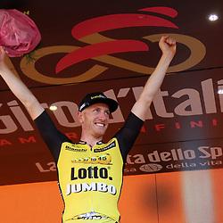 Giro d'Italia 2017<br />Jso van Emden wint slot tijdrit