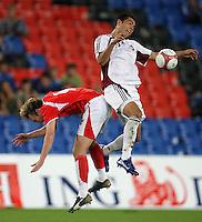 Fussball International Laenderspiel Oesterreich - Venezuela Ferdinand Felhofer (AUT,li) gegen Nicolas Fedor (VEN,re)