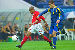 KIEV, UKRAINE - Tuesday, June 5, 2001: Wales' Robert Earnshaw gets in a shot under pressure from Ukraine's Serhii Bilzo during the Under-21 World Cup Qualifying match at the Dynamo Stadium. (Pic by David Rawcliffe/Propaganda)