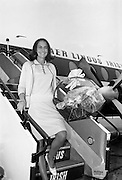 One of the best-known Irish models of the time, Grace O'Shaughnessy, returns from an assignment in Italy. .30.08.1966