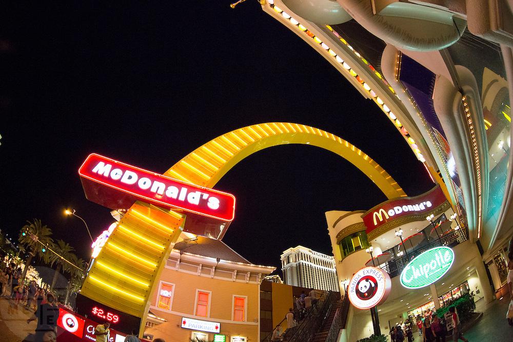 De 'strip' met casino's in Las Vegas.<br /> <br /> The strip with casinos in Las Vegas.