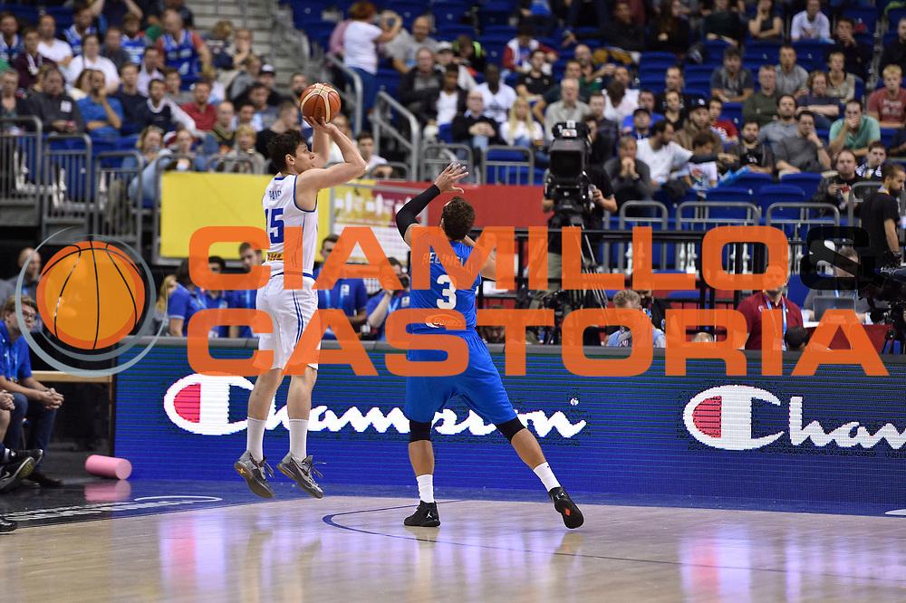 DESCRIZIONE : Berlino Berlin Eurobasket 2015 Group B Iceland Italy<br /> GIOCATORE : Marco Belinelli<br /> CATEGORIA : difesa<br /> SQUADRA : Iceland Italy<br /> EVENTO : Eurobasket 2015 Group B<br /> GARA : Iceland Italy<br /> DATA : 06/09/2015<br /> SPORT : Pallacanestro<br /> AUTORE : Agenzia Ciamillo-Castoria/Giulio Ciamillo<br /> Galleria : Eurobasket 2015<br /> Fotonotizia : Berlino Berlin Eurobasket 2015 Group B Iceland Italy