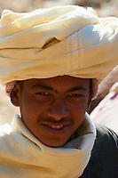 Egypte, Haute Egypte, croisiere sur le Nil entre Louxor et Assouan, village pres de El Kaab // Egypt, cruise on the Nile river between Luxor and Aswan, village near  El Kaab