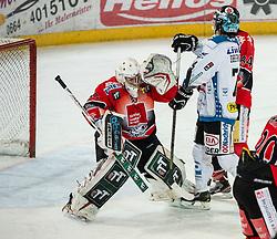 11.01.2013, Tiroler Wasserkraft Arena, Innsbruck, AUT, EBEL, HC TWK Innsbruck vs EHC Black Wings Linz, 40. Runde, im Bild Patrick Machreich, (HC TWK Innsbruck, # 33), Daniel Oberkofler, (EHC Black Wings Linz, #74), Stefan Pittl, (HC TWK Innsbruck, # 84) // during the Erste Bank Icehockey League 40th Round match between HC TWK Innsbruck and EHC Black Wings Linz at the Tiroler Wasserkraft Arena, Innsbruck, Austria on 2013/01/11. EXPA Pictures © 2013, PhotoCredit: EXPA/ Eric Fahrner