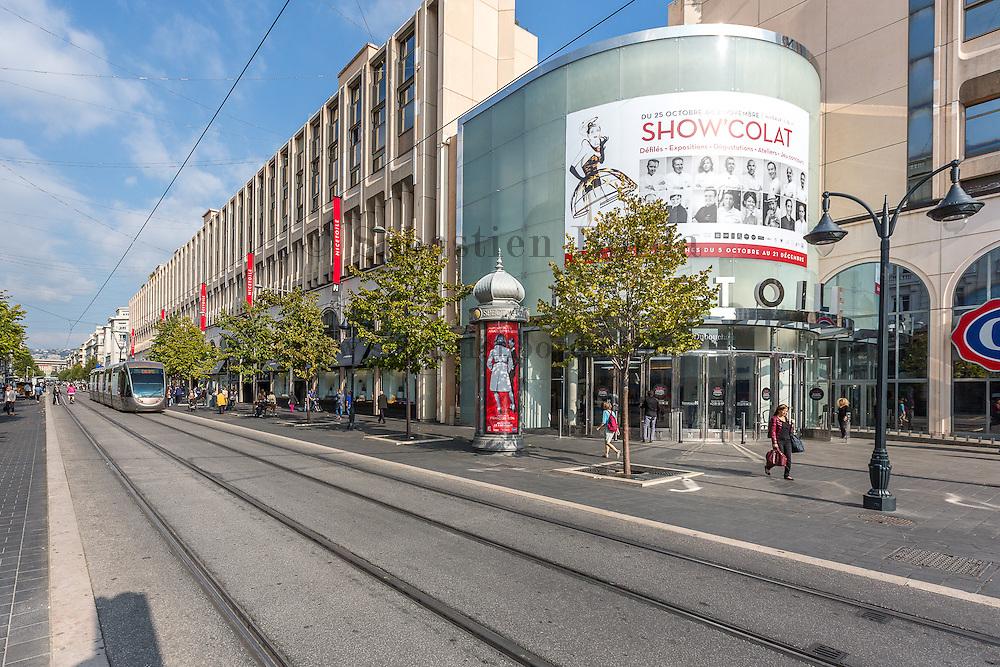 Entrée du centre commercial Nice Etoile // Nice Etoile shopping center entrance