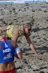 26-08-2006: VOLLEYBAL: NESTEA EUROPEAN CHAMPIONSHIP BEACHVOLLEYBALL: SCHEVENINGEN<br /> Sanne Keizer<br /> ©2006-WWW.FOTOHOOGENDOORN.NL