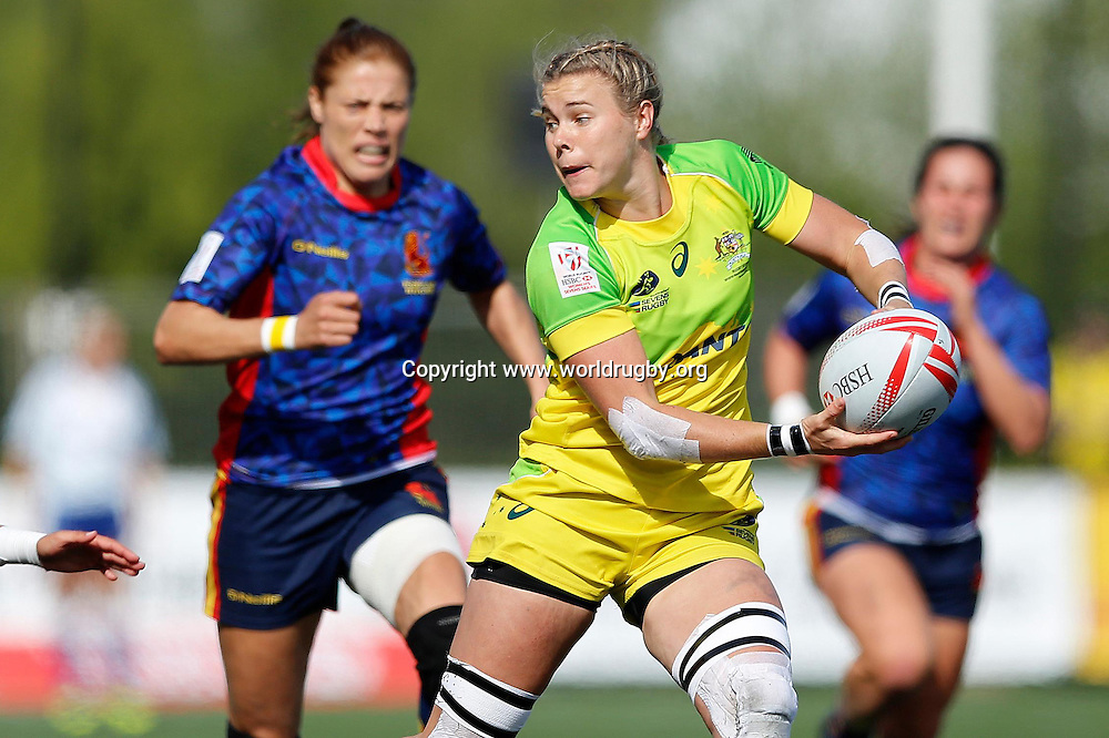 Nicole Beck of Australia in action during the quarter final on day 2.<br /> Round 4 of the HSBC Womens Rugby Sevens World Series in Langford, Canada. 16-17 April 2016.<br /> Photo credit: www.worldrugby.org