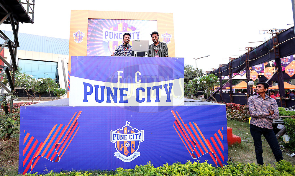 DJ  during match 33 of the Indian Super League (ISL) season 2  between FC Pune City and FC Goa held at the Shree Shiv Chhatrapati Sports Complex Stadium, Pune, India on the 8th November 2015.<br /> <br /> Photo by Sandeep Shetty / ISL/ SPORTZPICS