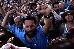 May 20, 2017 - Madrid, Spain - Supporters of left- wing party Podemos (We Can) during a demostration in Madrid on May 20, 2017 calling for vote of no confidence against Spanish Prime Minister Mariano Rajoy  (Credit Image: © Juan Carlos Lucas/NurPhoto via ZUMA Press)