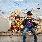 Children playing with blowing bubbles in Jodhpur