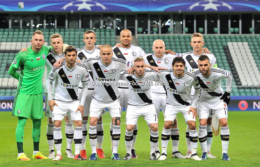 2016.11.02 Warszawa<br /> Pilka nozna Liga Mistrzow sezon 2016/2017<br /> Legia Warszawa - Real Madryt<br /> N/z grupowe zdjecie<br /> Foto Lukasz Laskowski / PressFocus<br /> <br /> 2016.11.02 Warsaw<br /> Football Champions League season 2016/2017<br /> Legia Warsaw - Real Madrid<br /> team line up <br /> Credit: Lukasz Laskowski / PressFocus
