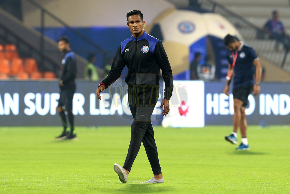 Subrata Paul of Jamshedpur FC before the start of the match 61 of the Hero Indian Super League between Mumbai City FC and Jamshedpur FC held at the Mumbai Football Arena, Mumbai India on the 1st Feb  2018<br /> <br /> Photo by: Vipin Pawar  / ISL / SPORTZPICS