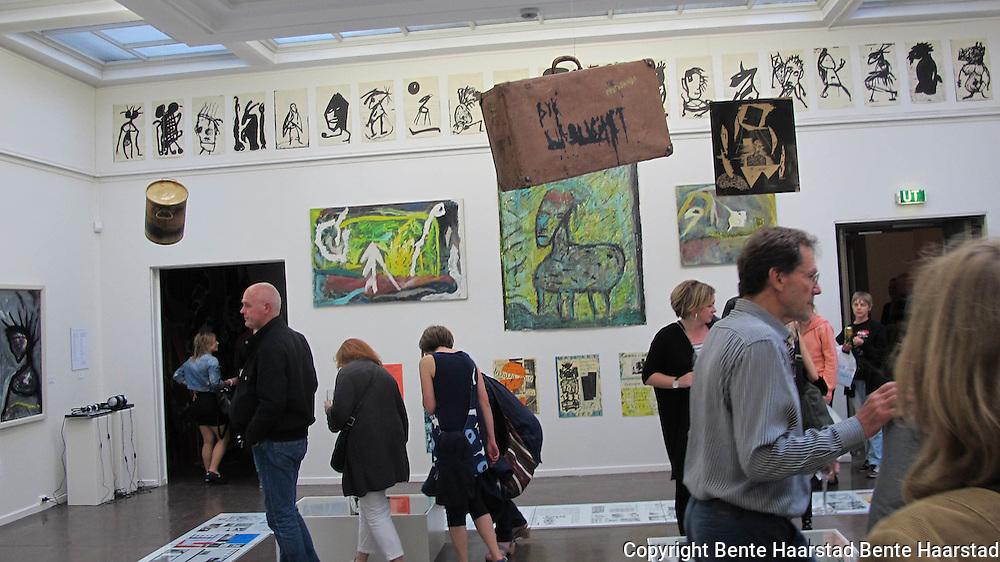 Blodig alvor - Norsk kunst fra 1980-tallet. Norwegian art from the 1980'ties.