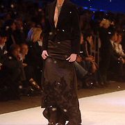 NLD/Amsterdam/20060125 - Modeshow Erny van Reijmersdal 2005, mannequin Femke Frederiks