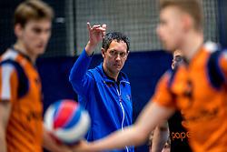 03-02-2018 NED: Talent Team - Inter Rijkwijk, Arnhem<br /> Talent Team verslaat Rijswijk met 3-0 / Trainer/Coach Claudio Gewehr