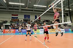 20180110 NED: CEV CUP Sliedrecht Sport - Beziers Angels VB: Sliedrecht<br />Warming - up both teams Sliedrecht Sport, Beziers Angels VB <br />&copy;2018-FotoHoogendoorn.nl / Pim Waslander